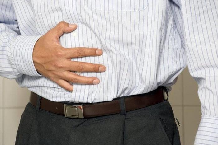 Polyp gây đau bụng