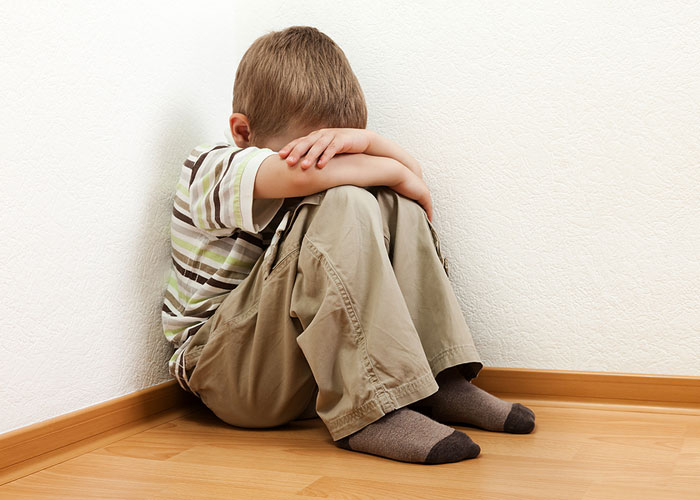Trẻ tự kỷ - Dấu hiệu nhận biết và những điều cha mẹ chớ nên bỏ qua