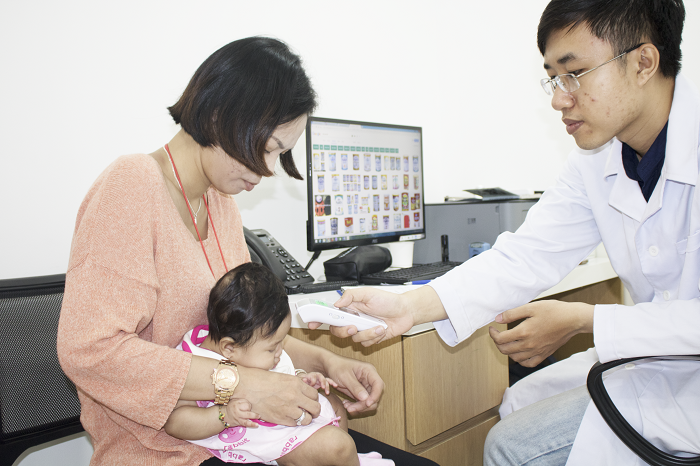Trẻ bị tiêu chảy rota - Nguyên nhân, Triệu chứng và Cách điều trị -2