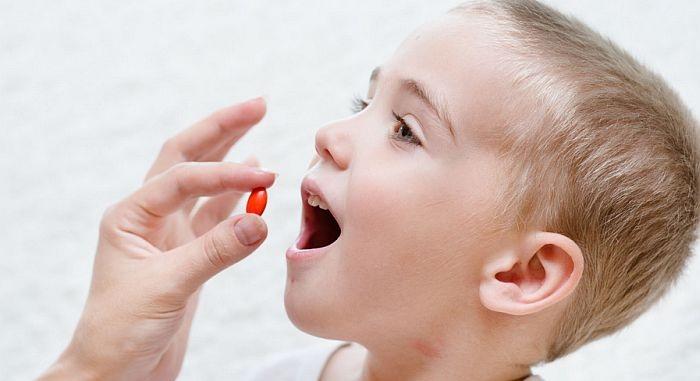 Trẻ bị viêm phổi uống thuốc gì